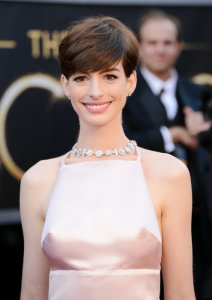 Anne Hathaway Pixie Hair Cut Oscars