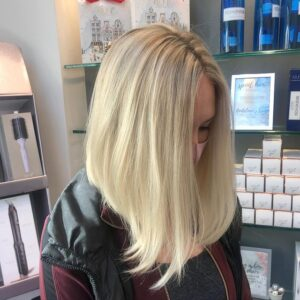 Blonde Highlights and Precision Haircut
